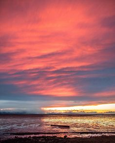 Salmon Skies  . This evening's sunset reflects off the mudflats by Vancouver International Airport (#YVR ) Looking over the Salish Sea to the sun setting over the mountain ranges on Vancouver Island. Captured from Sea Island in Richmond British Columbia Canada  March 3 2017  . . . #VancouverInternationalAirport #Vancouver #RichmondBC #RichmondMoments  @Vancouver_Canada @Canada #igersVancouver #Vancity #VeryVancouver #VisitaVancouver #DailyHiveVan #VancityHype #VancityFeature #VancityVibe…