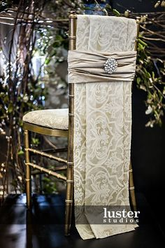 chair covers | Chiavari chair bling www.tablescapesbydesign.com https://www.facebook ...