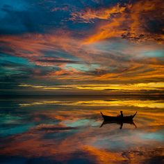 Sunset in Thailand .....I have been to Thailand and it possesses a natural beauty that is stunning.