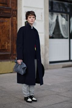 On the Street……Arco della Pace, Milan Shoes & Coat