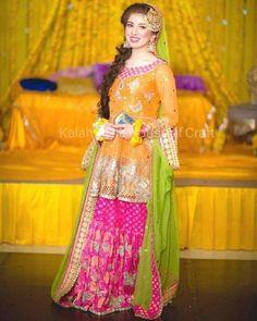 Top trendy Pakistani bridal Mayon mehndi dresses ...most beautiful mehndi brides dress 2019-2020 ...Pakistani brides dress...Pakistani latest mehndi bridal peplum dresses  #mehndidresses #bridaldress #brides #pakistanibrides #fashionandarts