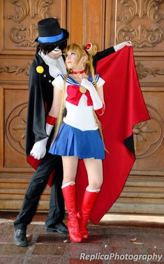 sailor moon cosplay with tuxedo mask