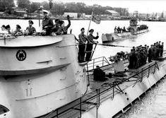 German Submarines, Model Ships, Battleship, World War Ii, Wwii, Navy, Pictures, Tech, France