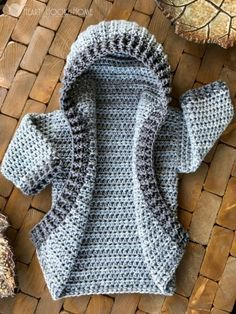 Hooded cardigan free crochet pattern, multiple sizes