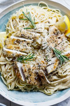 10 Most Misleading Foods That We Imagined Were Being Nutritious! Rosemary-Crusted Creamy Chicken Pasta Is A Great, Easy Recipe For Fuss-Free Weeknight Dinners And Is Elegant Enough To Serve To Guests At A Dinner Party. Cream Chicken Pasta, Chicken Pasta Recipes, Cream Pasta, Chicken Ideas, Cheesy Chicken, Lemon Rosemary Chicken, Lemon Butter Chicken, Lemon Pasta, Mushroom Pasta