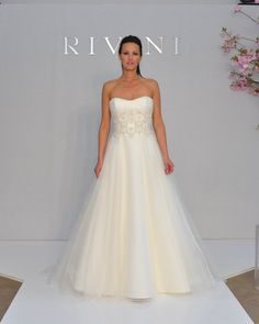 A-Line Sweetheart Neckline Strapless with Lace Appliques Zipper Floor Length Tulle Wedding Dress