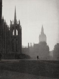 E.O. Hoppé Aberdeen, Scotland, 1925 [via Le Clown Lyrique] Thanks toliquidnight