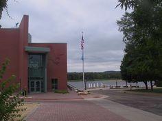 Wabasha MN National Eagle Center along the Mississippi