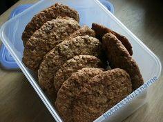 Ciasteczka owsiane z syropem klonowym i żurawiną