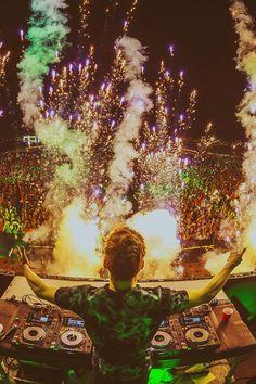 DJ tomorrowland