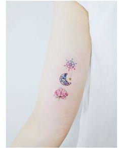 Mini Tattoos, Star Tattoos, Foot Tattoos, Flower Tattoos, Body Art Tattoos, Tatoos, Snowflake Tattoos, Urban Tattoos, Neue Tattoos
