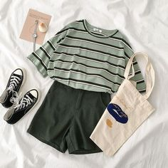 Girls Fashion Clothes, Teen Fashion Outfits, Retro Outfits, Cute Casual Outfits, Vintage Outfits, Korean Girl Fashion, Ulzzang Fashion, Kawaii Fashion, Cute Fashion