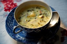 Sorrel Soup Creamy Sorrel Soup--looks like a great thing to do with sorrel (dock), if you happen to grow any in your garden.Creamy Sorrel Soup--looks like a great thing to do with sorrel (dock), if you happen to grow any in your garden. Creamy Vegetable Soups, Vegetable Soup Recipes, Sorrel Recipe, Sorrel Soup, Vegan Recipes, Cooking Recipes, Yummy Recipes, Recipies, Chili Recipes