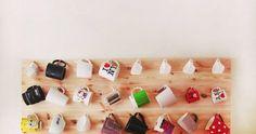 As canecas hoje tem várias funções inclusive tomar chá!!  As canecas servem de vasos, porta-lápis...além de ser um charme na decoração!!  Eu...