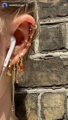 Ear Jewelry, Cute Jewelry, Jewelry Accessories, Cute Ear Piercings, Accesorios Casual, Peircings, Piercing Tattoo, Bling, Jewels