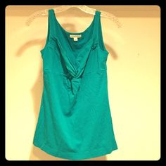 Banana Republic tank (S) *Like new* Banana Republic tank. Beautiful teal color. Cute pinch detail in front. Never worn, tags removed. Needs a new home! Banana Republic Tops Tank Tops