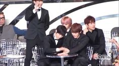 [FANCAM] 131122 MAMA Infinite 인피니트 (L엘 & Seong Yeol성열) super cute moment...