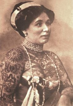 vintage everyday: 39 Gorgeous Vintage Photos of Tattooed Ladies in the Late 19th and Early 20th Centuries    La Bella Angora