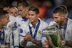 News Photo : James Rodriguez of Real Madrid celebrate victory,...