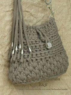 Discover thousands of images about Lovely little crochet bag:) Crochet Clutch Bags, Bag Crochet, Crochet Socks, Crochet Handbags, Crochet Purses, Crochet Scarves, Crochet Yarn, Yarn Bag, Carpet Bag