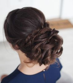 Messy wedding hair updos | itakeyou.co.uk #weddinghair #weddingupdo #weddinghairstyle #bridalhair #bridalupdo