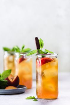 This homemade cold brew peach iced tea is a healthy alternative to store bought that is naturally sweetened and flavoured with peaches, orange zest and mint! Cool down with a glass of this refreshing iced with infused with peaches, orange zest and mint! Best Iced Tea Recipe, Iced Tea Recipes, Punch Recipes, Alcohol Recipes, Refreshing Drinks, Summer Drinks, Drink Me, Food And Drink, Homemade Iced Tea