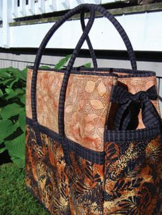Getaway Bag Pattern. Going away for the weekend? Grab your bag and fill it with all the necessities! Also, perfectly sized to carry your sewing machine and most of your supplies to your quilting getaway. http://www.kayewood.com/item/Getaway_Bag_Pattern/2585/m136 $9.00