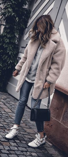 fa84e521fb 3 Cozy Fall Outfits to copy right now