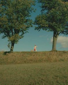 Frankie + Clo > Only a Cloud by James Perolls Nature Aesthetic, Retro Aesthetic, Aesthetic Makeup, Aesthetic Fashion, Cenas Do Interior, Good Vibe, Northern Italy, Film Photography, Outdoor
