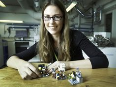 Forskarkvinna i lego blev världsnyhet - Ellen Kooijman, forskare vid avdelningen för geovetenskap vid Naturhistoriska riksmuseet