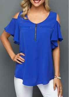 Stylish Tops For Girls, Trendy Tops, Trendy Fashion Tops, Trendy Tops For Women Mix Match Outfits, Royal Blue Blouse, Sleeves Designs For Dresses, Top Pattern, Casual Tops, Plus Size Outfits, Fashion Looks, Fashion Outfits, Clothes