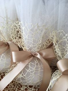 great idea…add a cameo and you have the perfect favor! Elegant Wedding Favors, Wedding Favors For Guests, Unique Weddings, Wedding Gifts, Homemade Wedding Favors, Burlap Lace, Guest Gifts, Wedding With Kids, Small Gifts