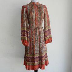Vintage 60s 70s Albert Nipon Blousey Sleeve Wool by hillbillyfilly, $44.00