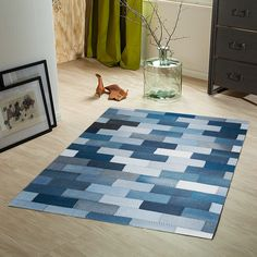 Teppich blue Jeans - How about placemats - SalvabraniAn great idea for recycling redundant denim - a patchwork rug made of old jeans. How many jeans are thrown away each year globally - we don't know the answer, but every pair that are reused are not Carpet Diy, Modern Carpet, Carpet Ideas, Outdoor Carpet, White Carpet, Hall Carpet, Stair Carpet, Cheap Carpet, Jean Crafts