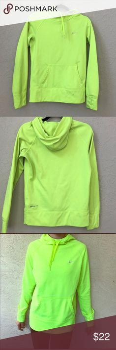 Nike thermafit hoodie!! Super cute! Super comfy! And a great price!!! Make an offer :) Nike Tops Sweatshirts & Hoodies