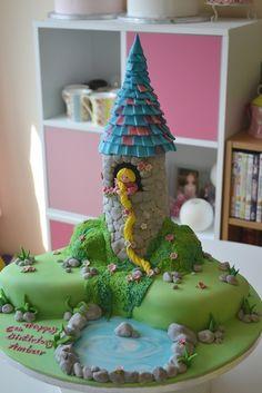 ♥   Rapunzel cake.