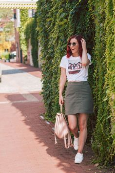 20 Friends Gifts You Need on Your Wishlist | She Saw Style  Friends TV Show | Friends Quotes | Friends T-Shirt | Friends Graphic Tee | Friends Gift Ideas | Novelty Tee | Friends T-Shirt Outfit | Friends TV Show Shirt | @HM T-Shirt with Friends Motif | H&M Short Green Skirt | @Target Mini Blush Drawstring Backpack | Tourist Outfit | What to Wear on Vacation | What to Wear For Traveling | Day Trip to DC | Day Trip to Georgetown | Casual Style | Summer Style | Affordable Summer Outfit | #Friends