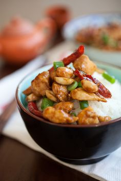Kung Pao Chicken Recipe--your favorite Chinese takeout is super easy and quick to make with this tried and tested recipe that takes less than 30 minutes | http://rasamalaysia.com | #chicken #chinesefood