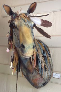 Diy Paper Mache Crafts Sculpture Faux Taxidermy Ideas For 2019 Horse Sculpture, Animal Sculptures, Soft Sculpture, Animal Head Decor, Animal Heads, World Of Interiors, Paper Mache Animals, Paper Mache Crafts, Faux Taxidermy