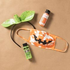 Kids Halloween Crafts | The Plaid Palette DIY craft ideas, products, and more | Plaid Online Halloween Crafts For Kids, Craft Projects For Kids, Easter Crafts For Kids, Halloween Projects, Halloween Night, Spirit Halloween, Diy Halloween, Fun Crafts, Halloween Decorations