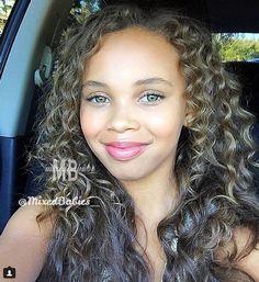Mulattoes Only: Photo Beautiful Green Eyes, Lovely Eyes, Beautiful Black Girl, Little Girl Haircuts, Haircuts With Bangs, Green Eyed Baby, Mode Adidas, Cute Kids Photos, Cute Mixed Babies