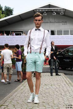 Flieg und Shorts - HM, Hemd und Hosenträger - Hugo Boss, Manschettenknöpfe - Erbstücke