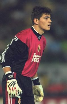 Iker Casillas of Real Madrid in action during the UEFA Champions. Real Madrid Club, Real Madrid Football Club, Real Madrid Soccer, Iran Football, World Football, Football Players, Football Wall, College Football, Ronaldo Real Madrid