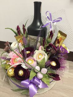 Money Cake, Chocolate Bouquet, Backyard Garden Design, Candy Bouquet, Milestone Birthdays, Flower Boxes, Craft Gifts, Gift Baskets, Chocolates