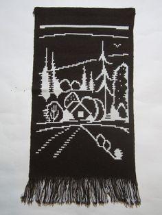 Täkänä - seinävaate Maalaismaisema - Huuto.net Wall Tapestry, Weaving, Tapestries, Hanging Tapestry, Knitting, Crocheting, Stitches