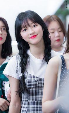 Kpop Girl Groups, Kpop Girls, Airport Fashion Kpop, Oh My Girl Yooa, Girls Secrets, Girl Next Door, Most Beautiful Women, Airport Style, Asian Beauty