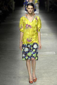 Dries Van Noten Spring 2008 Ready-to-Wear Fashion Show - Marina Peres