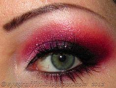 Good Girl Magentric Eyes