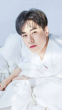Huyitian Thanks for pic Cr. Cute Actors, Handsome Actors, Handsome Boys, Asian Actors, Korean Actors, China Movie, A Love So Beautiful, Daddy Long, Ideal Man