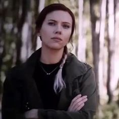 Is that the arrow necklace again ? Marvel Comics, Marvel Heroes, Marvel Avengers, Black Widow Scarlett, Black Widow Natasha, Scarlett Johansson, Agent Romanoff, Hulk, Black Widow Avengers